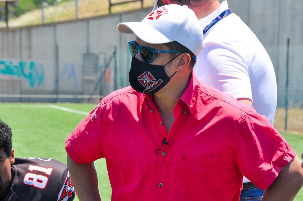 Il look dell'head coach Aldo Palmas torna alle origini (Foto Battista Battino)